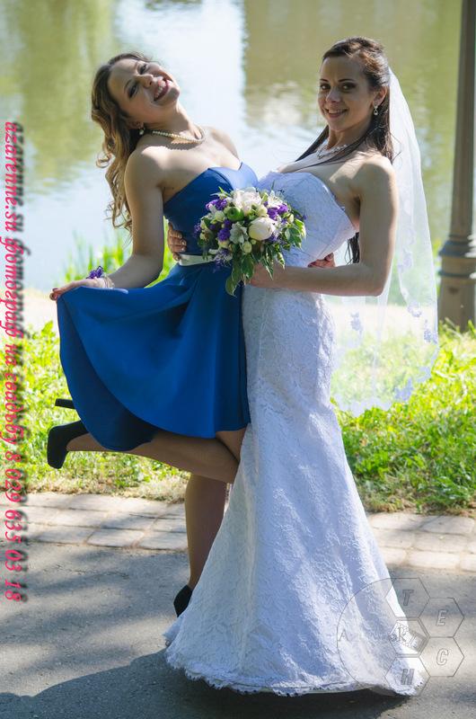 Свадебные невеста и свидетельница