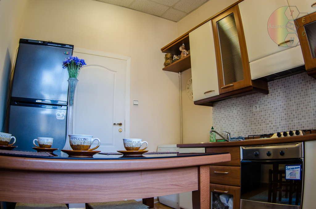 Фотографии кухни в съёмной квартире