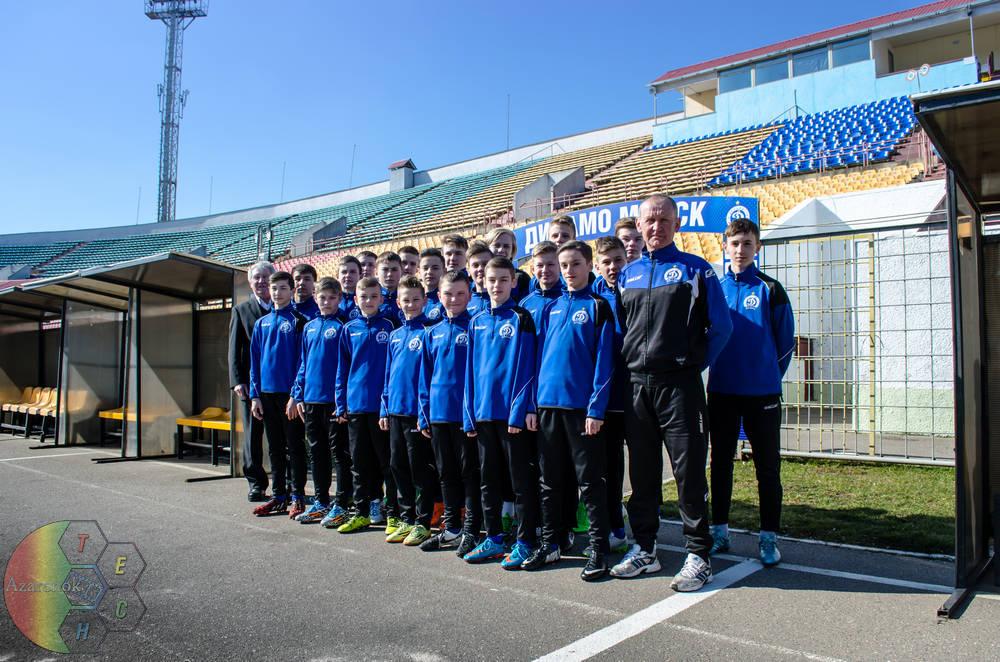 команда на стадионе