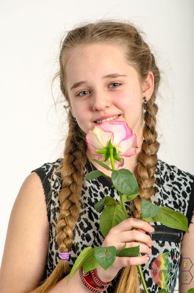девушка цветок